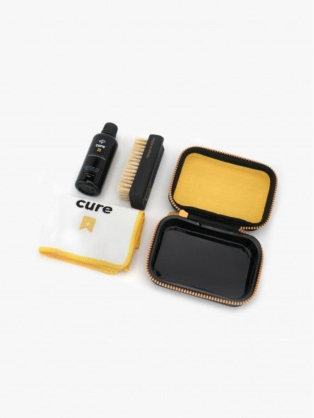 Crep Protect Kit Cure Ultimate Cleaning | Fuxia, Urban Tribes United.