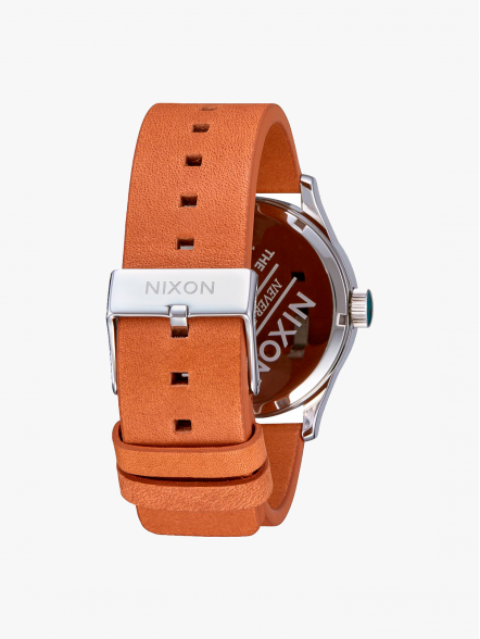 Nixon Sentry Leather | Fuxia, Urban Tribes United.