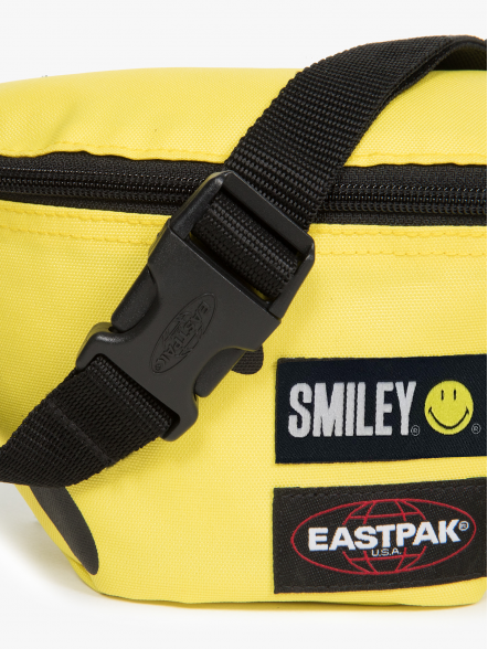 Eastpak Springer Smiley | Fuxia, Urban Tribes United.