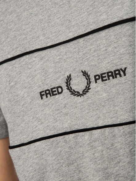 Fred Perry Embroidered Panel | Fuxia