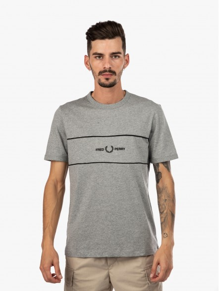 Fred Perry Embroidered Panel   Fuxia