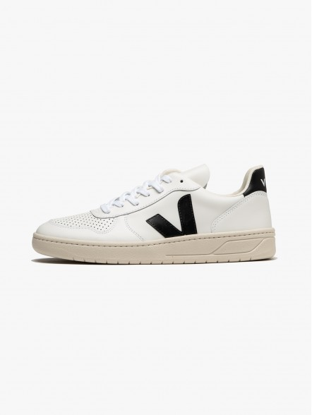 Veja V-10 Leather | Fuxia, Urban Tribes United.