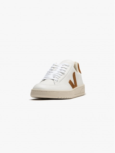 Veja V-12 Leather | Fuxia, Urban Tribes United.