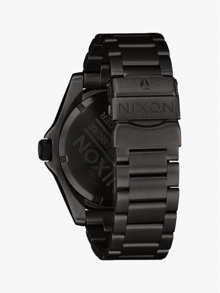 Nixon Descender | Fuxia, Urban Tribes United.