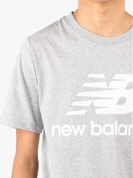 New Balance Essentials Stacked Logo | Fuxia