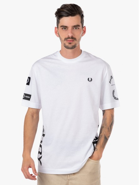 Fred Perry Bold Branding   Fuxia