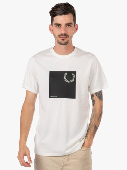 Fred Perry Laurel Wreath Graphic   Fuxia